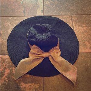 Floppy Beach Hat 🏖 w/ Bow 🎀 EUC!